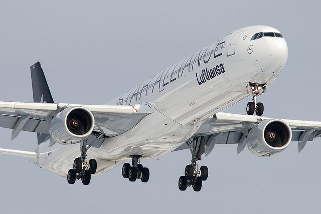 Lufthansa Airbus A340-600 - Photo by BriYYZ @ Flickr